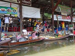Picture of the Damnoen Saduak Floating market in Bangkok Thailand