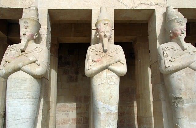 Picture of Queen Hatshepsut temple in Luxor Egypt