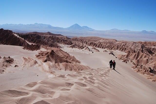 atacama desert chile sand dunes hking